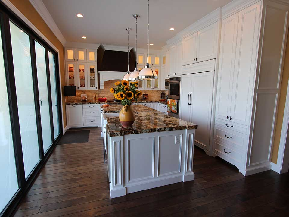 Coto De Caza Traditional White U Shaped Designed Build Kitchen Remodel With Aplus Custom Cabinets Aplus Interior Design Remodeling