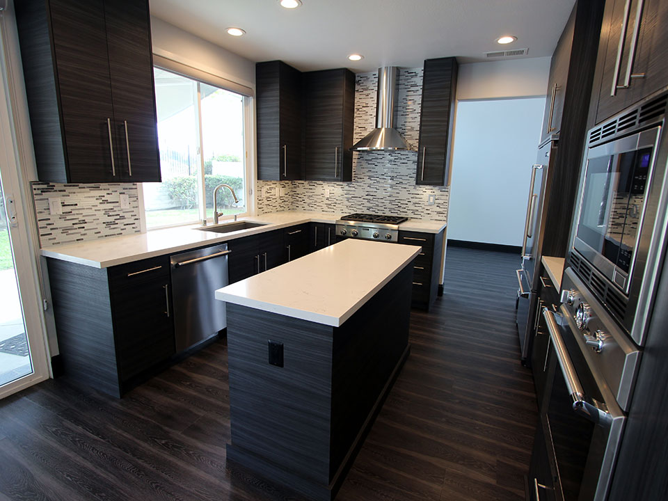 San Clemente Gray White U Shaped Modern Kitchen Remodel With Sophia Line Cabinets